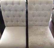 Светлые тронные стулья до и после чистки выездной химчистки