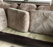 Фото нижних диванных подушек до чистки