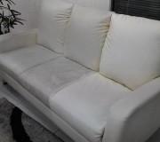 Профессиональная химчистка текстильного дивана белого цвета
